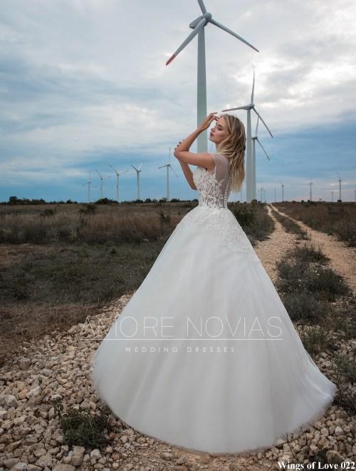 https://amore-novias.com/images/stories/virtuemart/product/lk-022-------(3).jpg