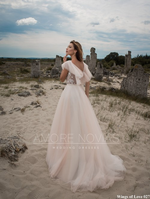 https://amore-novias.com/images/stories/virtuemart/product/lk-027-------(3).jpg