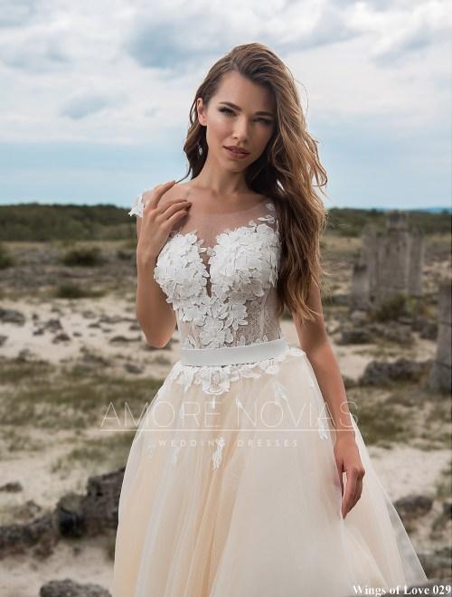 https://amore-novias.com/images/stories/virtuemart/product/lk-029-------(2).jpg