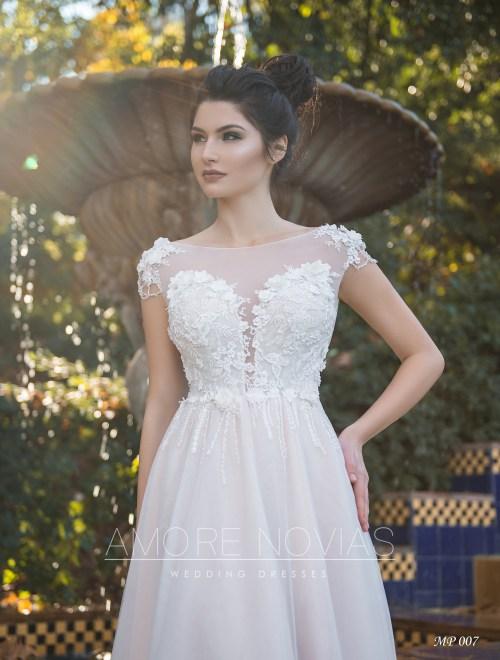 https://amore-novias.com/images/stories/virtuemart/product/mp-007--------(2)1.jpg