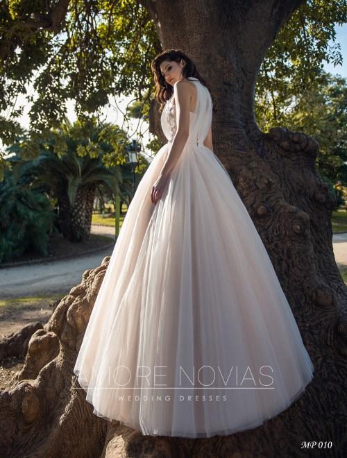 https://amore-novias.com/images/stories/virtuemart/product/mp-010--------(3).jpg