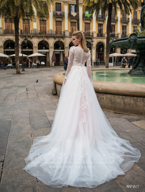 https://amore-novias.com/images/stories/virtuemart/product/mp-015--------(3).jpg