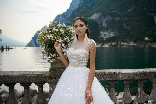 https://amore-novias.com/images/stories/virtuemart/product/pm001-------(2).jpg