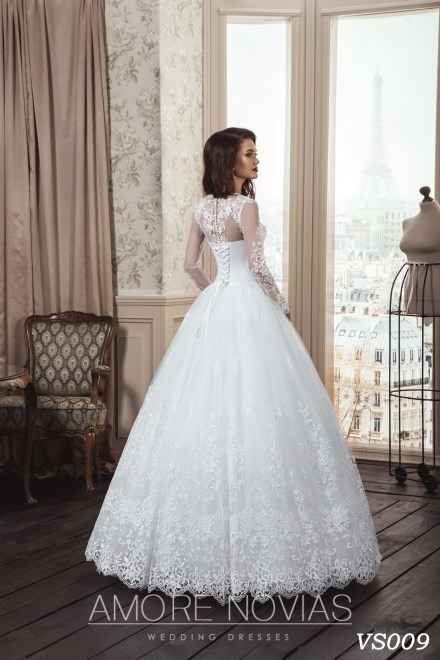 https://amore-novias.com/images/stories/virtuemart/product/vs009a.jpg