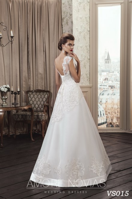 https://amore-novias.com/images/stories/virtuemart/product/vs015a.jpg