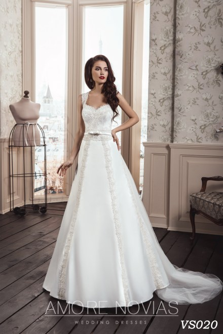 https://amore-novias.com/images/stories/virtuemart/product/vs020.jpg