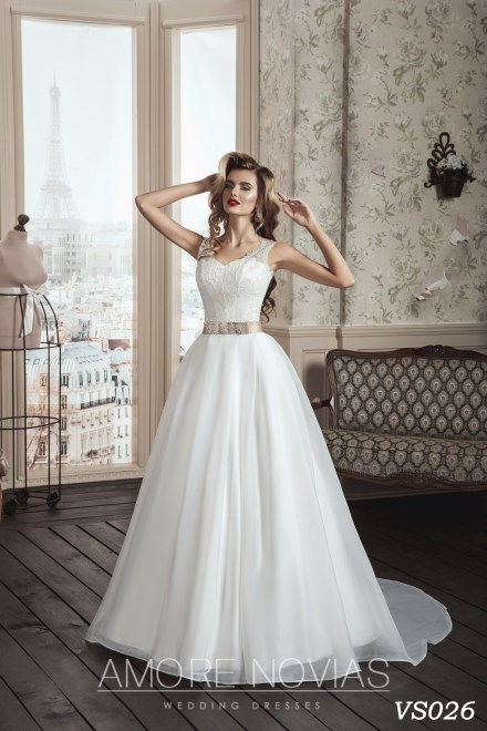 https://amore-novias.com/images/stories/virtuemart/product/vs026.jpg