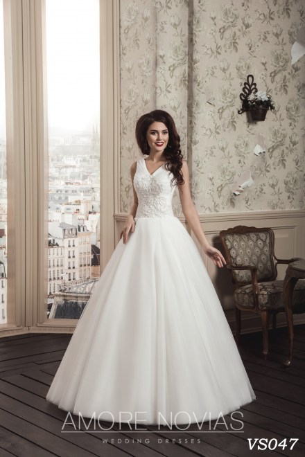 https://amore-novias.com/images/stories/virtuemart/product/vs047.jpg
